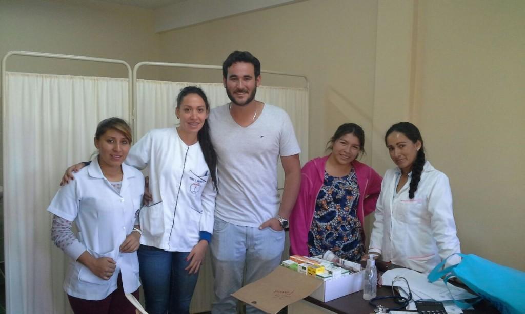 Lokales Ärzteteam, 1x pro Woche stationär vor Ort